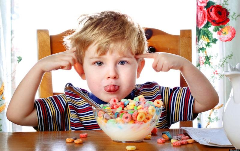رفتار والدین با کودکان بیش فعال
