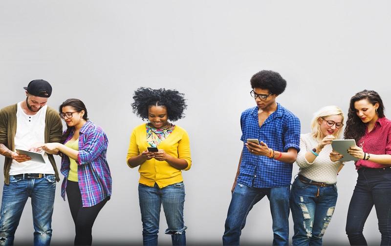 تاثیر اینترنت بر روی شخصیت افراد