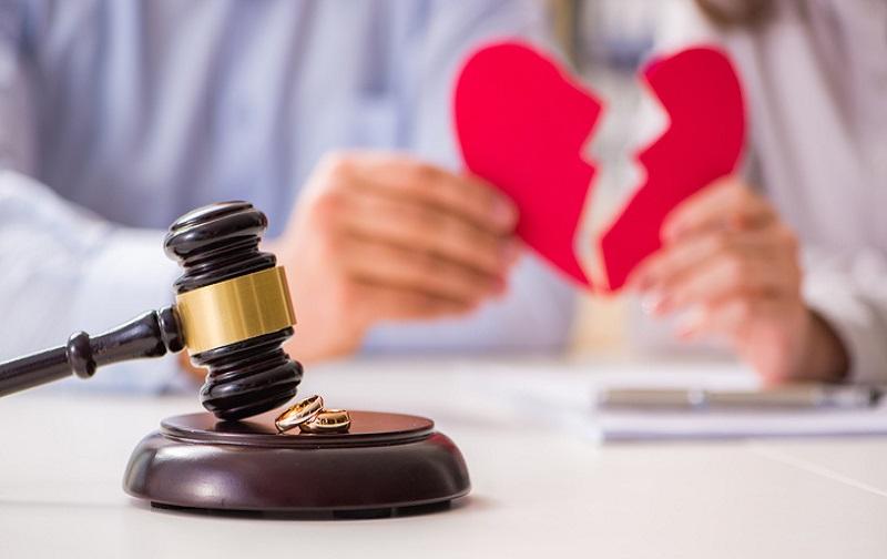 رابطه شخصیت و طلاق